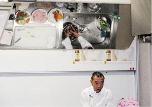 最初に下川先生に今日の料理の手順を説明していただきました。