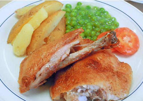 鶏肉のロースト エピスの香り 温野菜添え