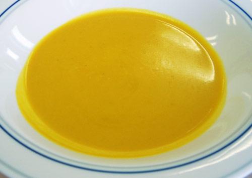 カボチャとサツマイモのスープ