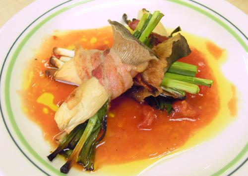 エリンギの豚バラ巻き トマトビネグレットソース